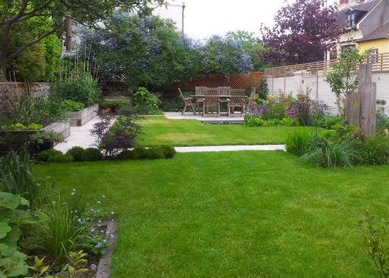 Large family garden brighton lilybud gardens by design for Designing a large garden from scratch