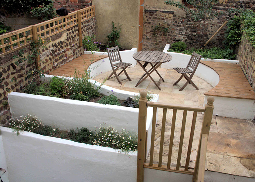 Split level garden hanover brighton lilybud gardens by for Split level garden designs